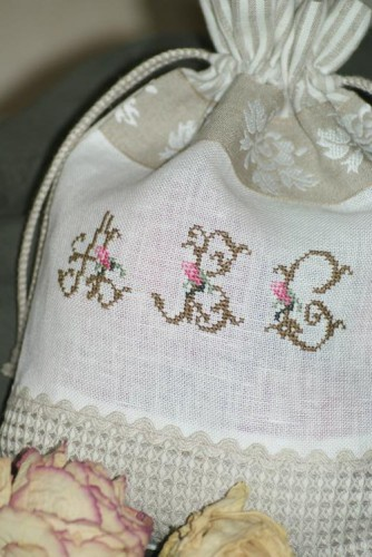 pochons,broderie,plume de lin,couture,broderie